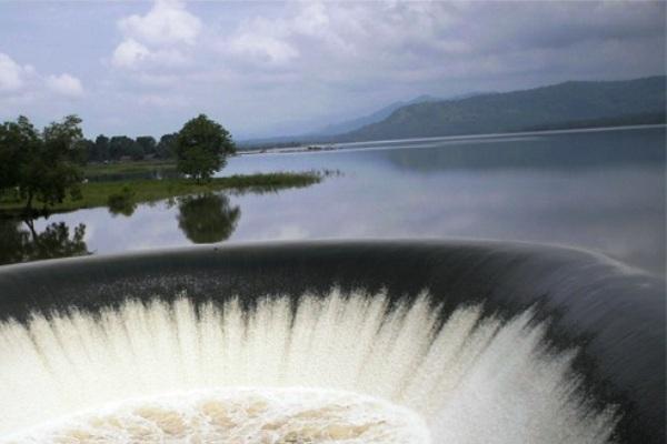 Bandungan Way Rarem Taman Wisata Air (Lampung Utara