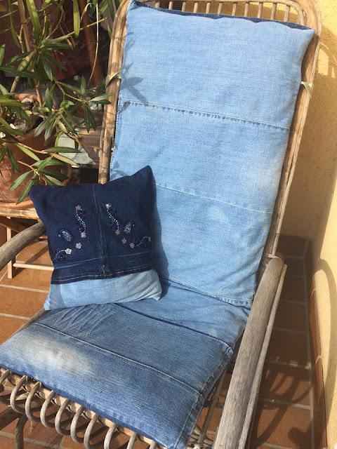la mia sedia a dondolo con i vecchi jeans