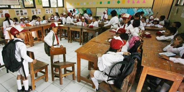 Sekolah Dilarang Beri PR untuk Siswa SD-SMA