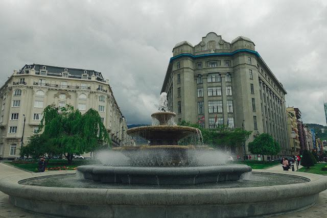 モジュア広場(Plaza Moyua)