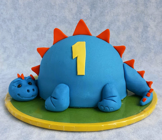 Little Dinosaur Cake Tutorial