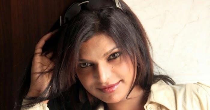 Vivekananda Reddy Hd: 2014 Tamil Hot Actress Pictures & Photos Shalini Naidu
