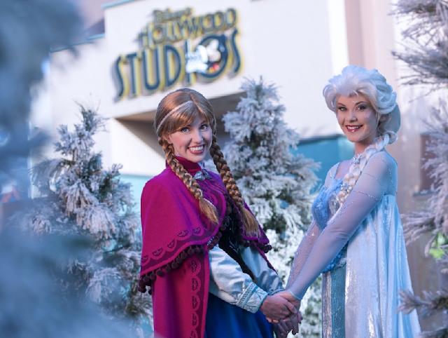Anna e Elsa de Frozen nos parques Disney em Orlando