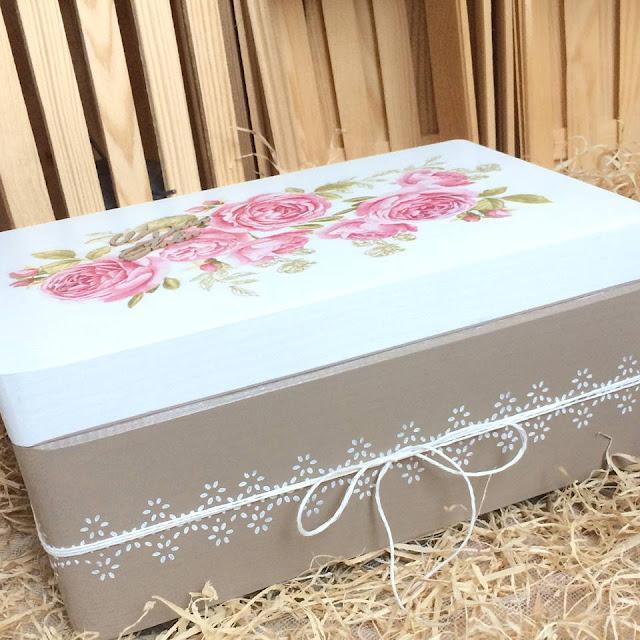 detale na pudełku - wzór wg szablonu, sznurek, motyw różany