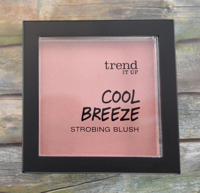 trend it up cool breeze LE strobing blush 020
