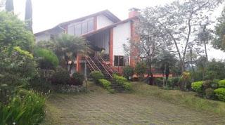Villa Besar Bagus Untuk Kumpul Di Lembang