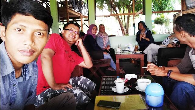 Reuni SMADA 2005 di Cafe Cengkeh Trenggalek