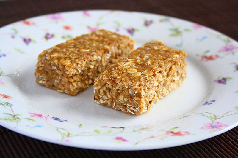 BANANA PEANUT BUTTER BARS