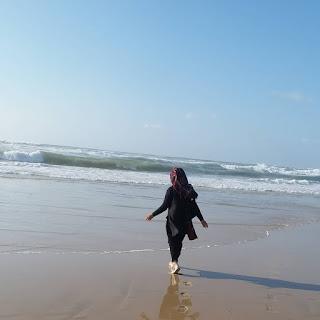 أجمل صور محجبات على البحر و اجمل صور بنات محجبات على شاطئ البحر , محجبات على شاطئ البحر , صور بنات محجبات على شط البحر وصور منقبات على البحر