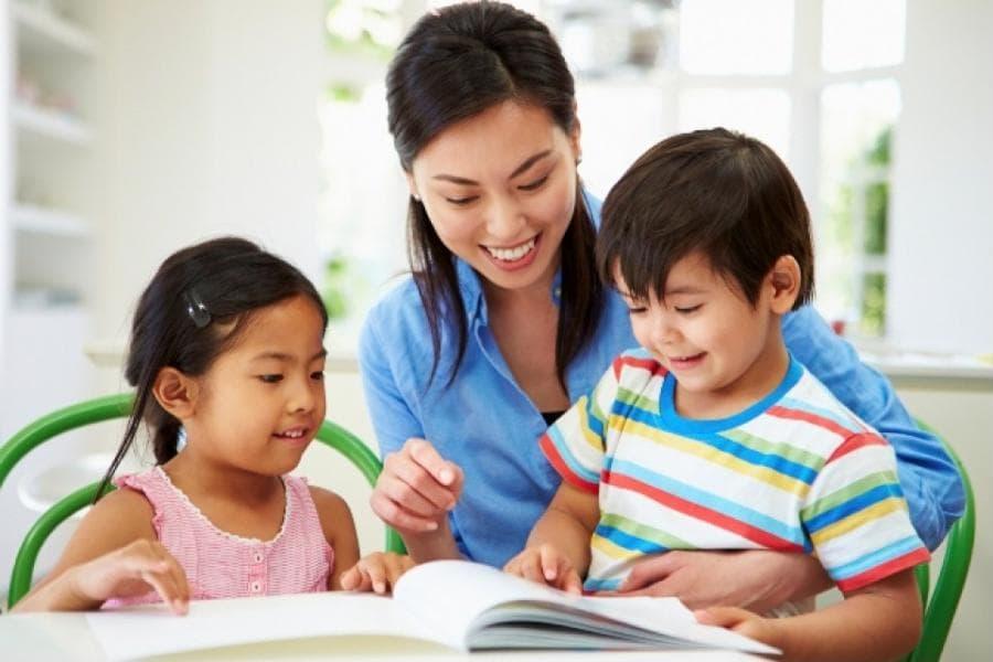 Trẻ tò mò về giới tính, cha mẹ cần giáo dục theo nguyên tắc nào? -2