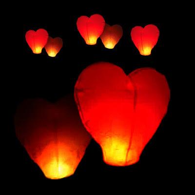 Lampion Terbang / Sky Lantern Bentuk Hati