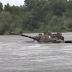 """""""Παλαβός"""" Στρατηγός περνάει με «LEOPARD τον Ποταμό Άρδα! Βίντεο που προκαλεί τον τρόμο στην Αγκυρα"""