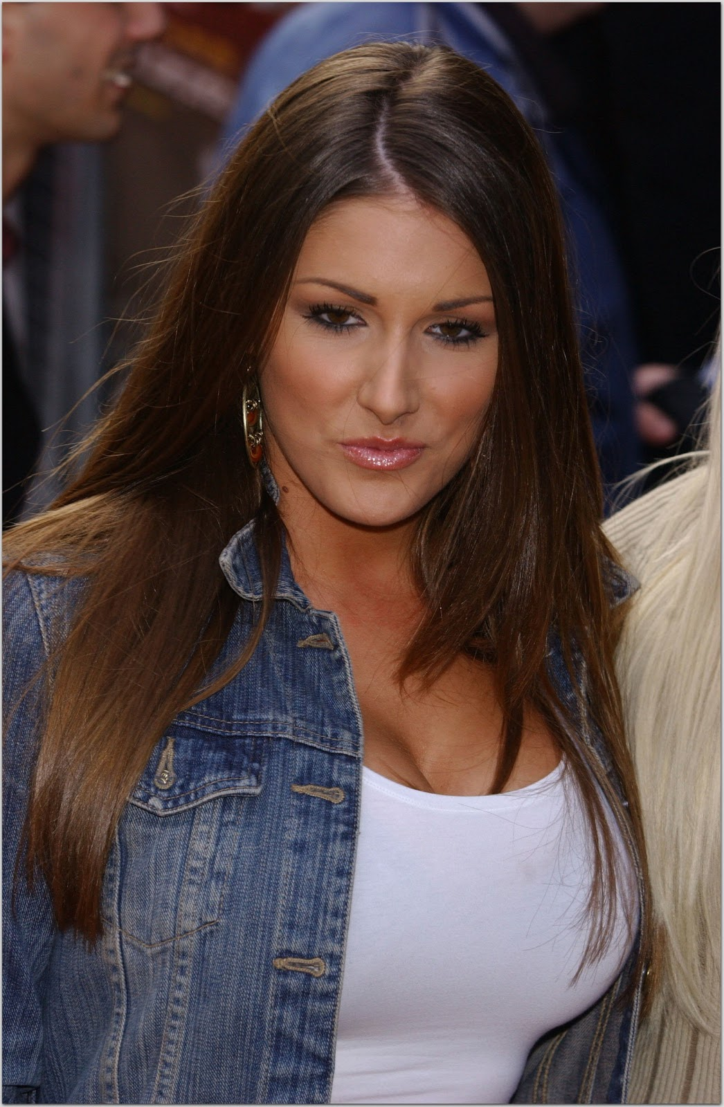 Lucy Pinder Free Download High Resolution HD Face Wallpapers