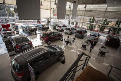 Venda de veículos novos cresce 14,6% em 2018, diz Fenabrave