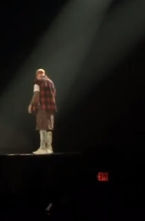 Justin Bieber falls Off Stage in Canada (video)