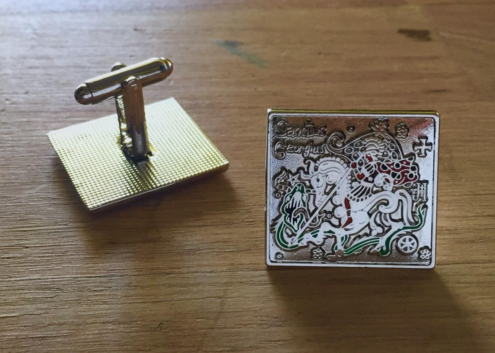 Manžetové knoflíčky se svatým Jiřím a drakem (stříbrná varianta)