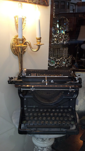 Underwood Typewriter II 1930s Restored 2012 Front