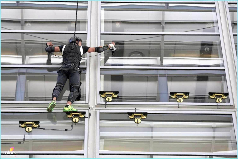 Darr Ka Blockbuster Khatron Ke Khiladi Rajneesh Duggal on wall as spider man during a stunt