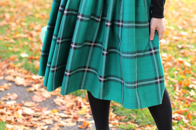 Collectif Jasmine Evergreen Check Skirt review