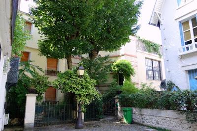 Paris Villa L Andre Faux Airs Britanniques Montmartre
