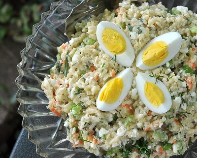 Cauliflower 'Potato' Salad, another low-carb summer salad ♥ AVeggieVenture.com. Weight Watchers Friendly. Gluten Free.