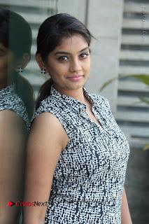 Telugu Television Actress Karuna Latest Pos In Denium Jeans  0006.JPG
