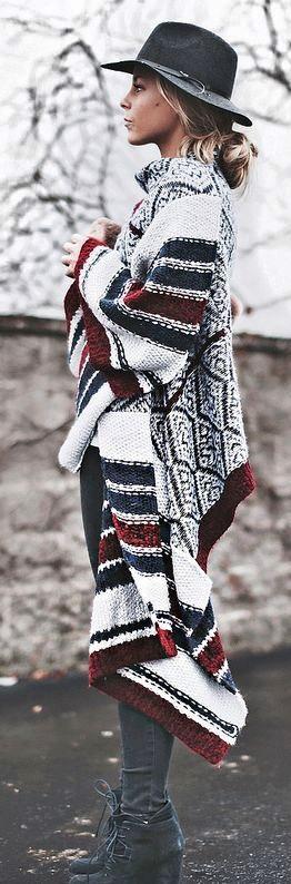 ponczo na drutach