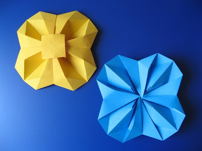 origami Fiore geometrico (vista da sopra e da sotto) - Geometric Flower (top view - bottom view) by Francesco Guarnieri