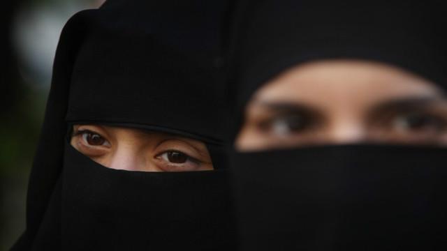 Videonya Viral, Mahasiswa Penarik Cadar Perempuan di Aceh Minta Maaf