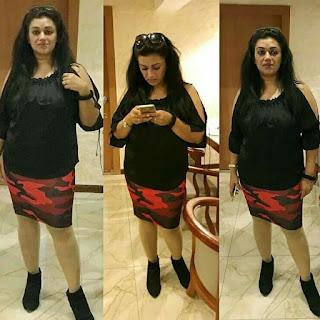 Malayalam Aunty Jennifer Antony latest hot in saree Navel Queens