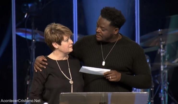 Iglesia dona a organización pro vida