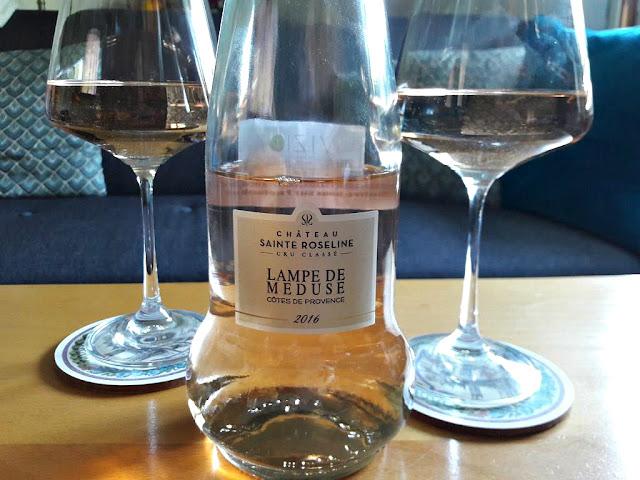 Vin rosé wine winelover apéro château Sainte Roseline cuvée lampe de méduse rosé de provence