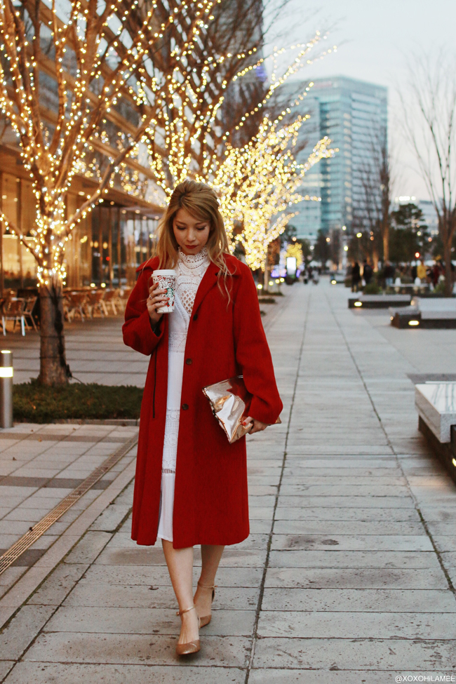 Japanese Fashion Blogger,MizuhoK,2017/12/23OOTD,NEW DRESS=lace blouse,CHOIES=white lace dress,MICHAEL KORS=red coat,Honeys=GLITTER PUMPS,Snidel=metallic clutch bag