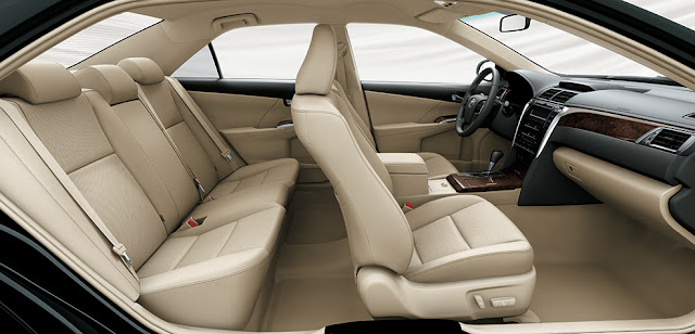 Không gian nội thất Toyota Camry