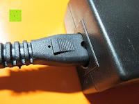 Buchse am Netzteil: LIHAO 5M LED Strip Warmweiß 600 SMDs Band wasserdicht Streifen mit Hohlbuchse+Netzteil DC 12V Trafo Set [Energieklasse A]