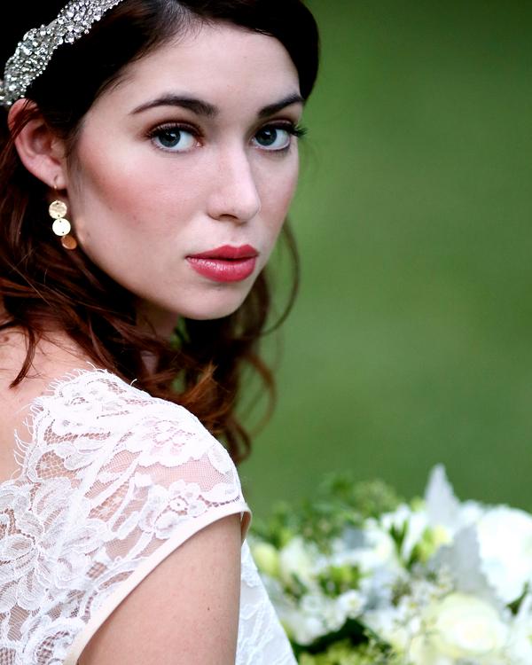 bride+groom+peter+pan+themed+neverland+wedding+tinker+bell+fairytale+princess+wendy+darling+captain+hook+fairy+dust+green+rustic+andy+sams+photography+26 - Neverland