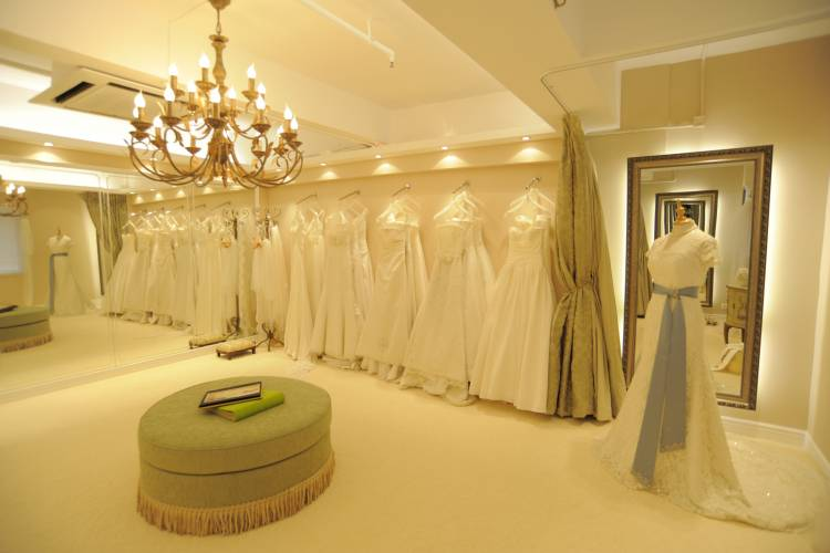 The Dream Wedding Inspirations: UK Bridal Boutiques