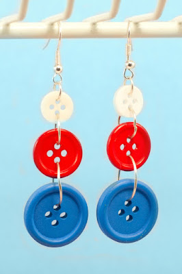 How to create an Independence Day Button Earrings