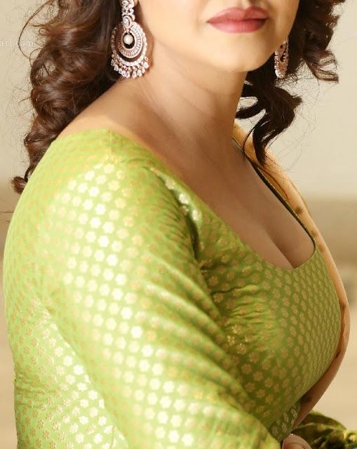 Nandini Rai busty big boobs deep cleavage low neck churidar xxx images