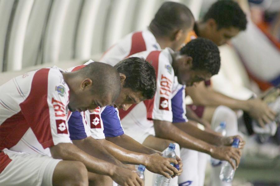 Blog Dos CordÉis: Fica Leão Na Terceira Divisão