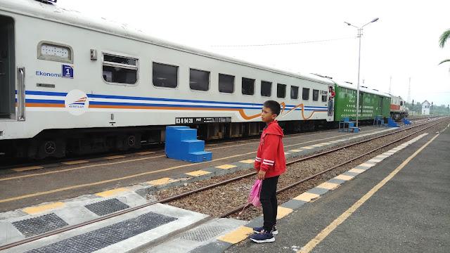 Akhirnya Merasakan Perjalanan ke Cilacap Menggunakan Kereta Api Ekonomi Serayu