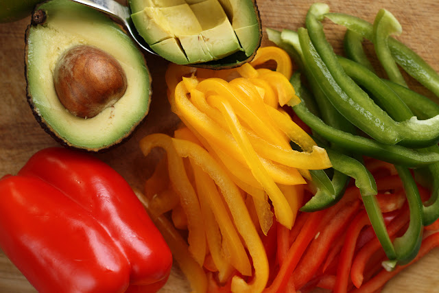 Paprike i avokado