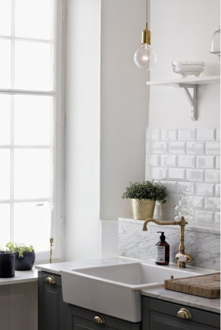 Gorgeous neutral decor in timeless room on Hello Lovely