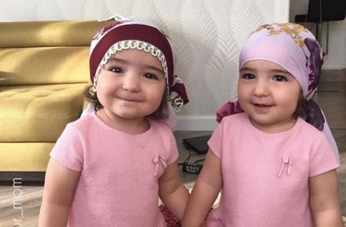 Nama Bayi Kembar Perempuan Islami Lengkap Dengan Artinya