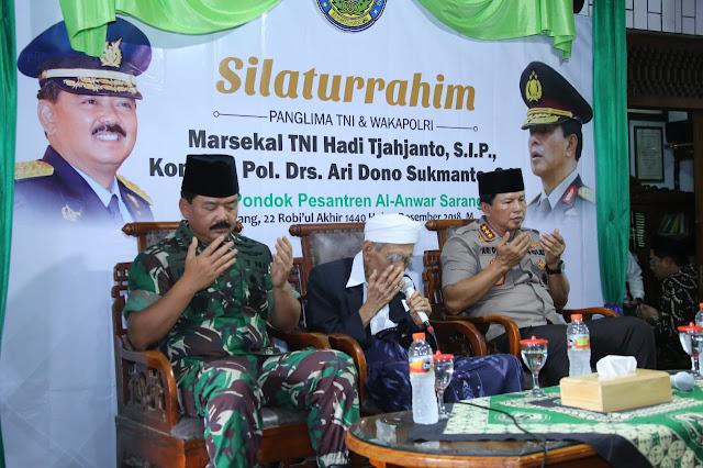 Sambut Tahun 2019, Panglima TNI Ajak Santri Ponpes Al-Anwar Sarang Berdoa Untuk Kedamaian NKRI
