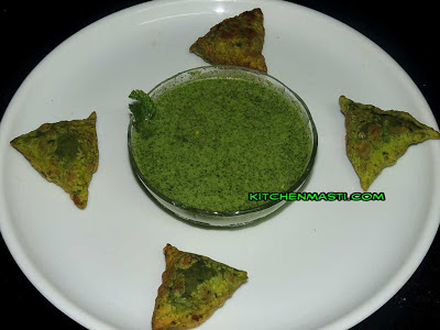 spinach stuffed paneer samosa