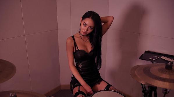 A-Yeon, Gadis Jelita Main Dram Dengan Hanya Memakai Baju Dalam