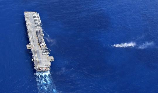 Tàu tấn công đổ bộ USS Wasp của Mỹ