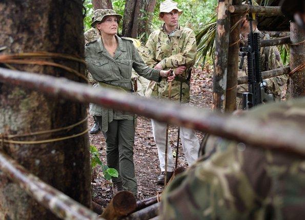 Tuker Lines Garrison of British Royal Forces in Seria Brunei. Royal Gurkha Rifles. Felt London diamond Disc studs
