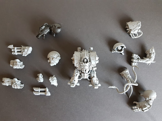 A magnetised chaos helbrute with all weapon options for Thousand Sons, Warhammer 40k